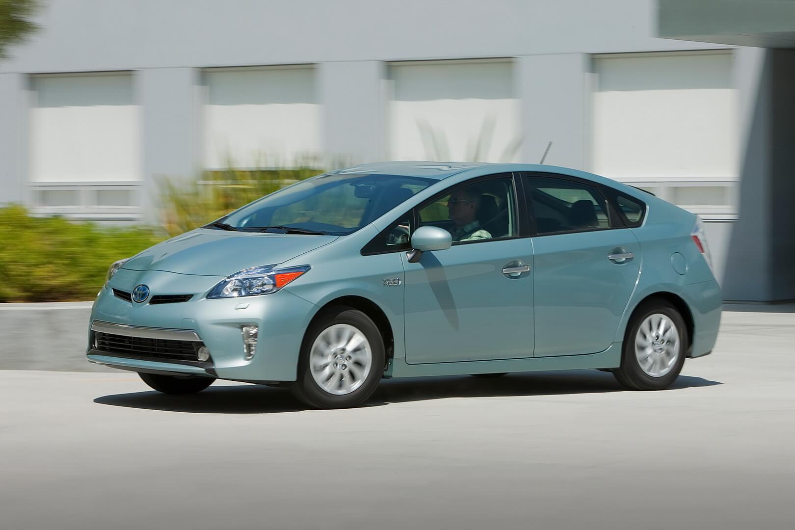 Один из самых продаваемых гибридных автомобилей в мире: Toyota Prius