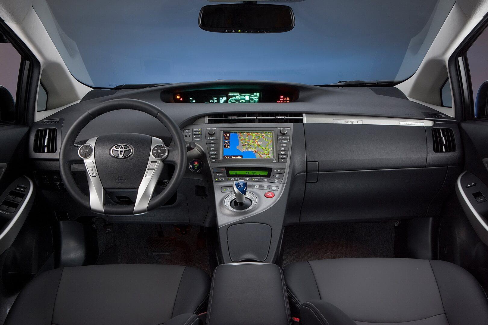 Фотография экоавто Toyota Prius Prime 2012 - фото 21