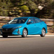 Фотография экоавто Toyota Prius Prime 2017 - фото 8