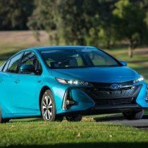 Фотография экоавто Toyota Prius Prime 2017 - фото 10