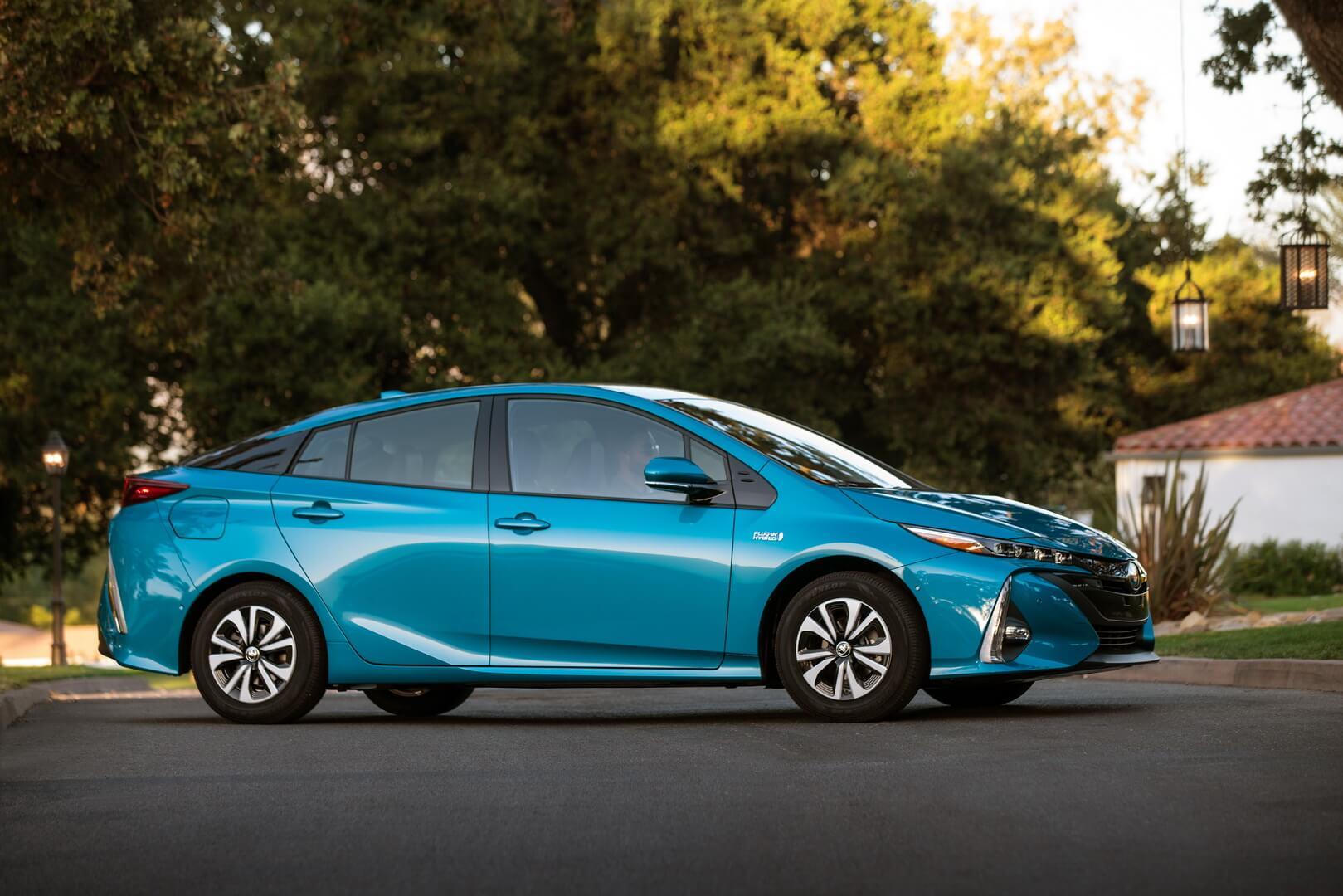 Плагин-гибрид Toyota Prius Prime — № 4 по продажам за август в мире
