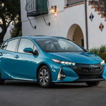 Фотография экоавто Toyota Prius Prime 2017 - фото 14
