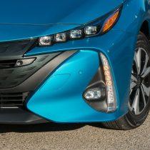 Фотография экоавто Toyota Prius Prime 2017 - фото 19