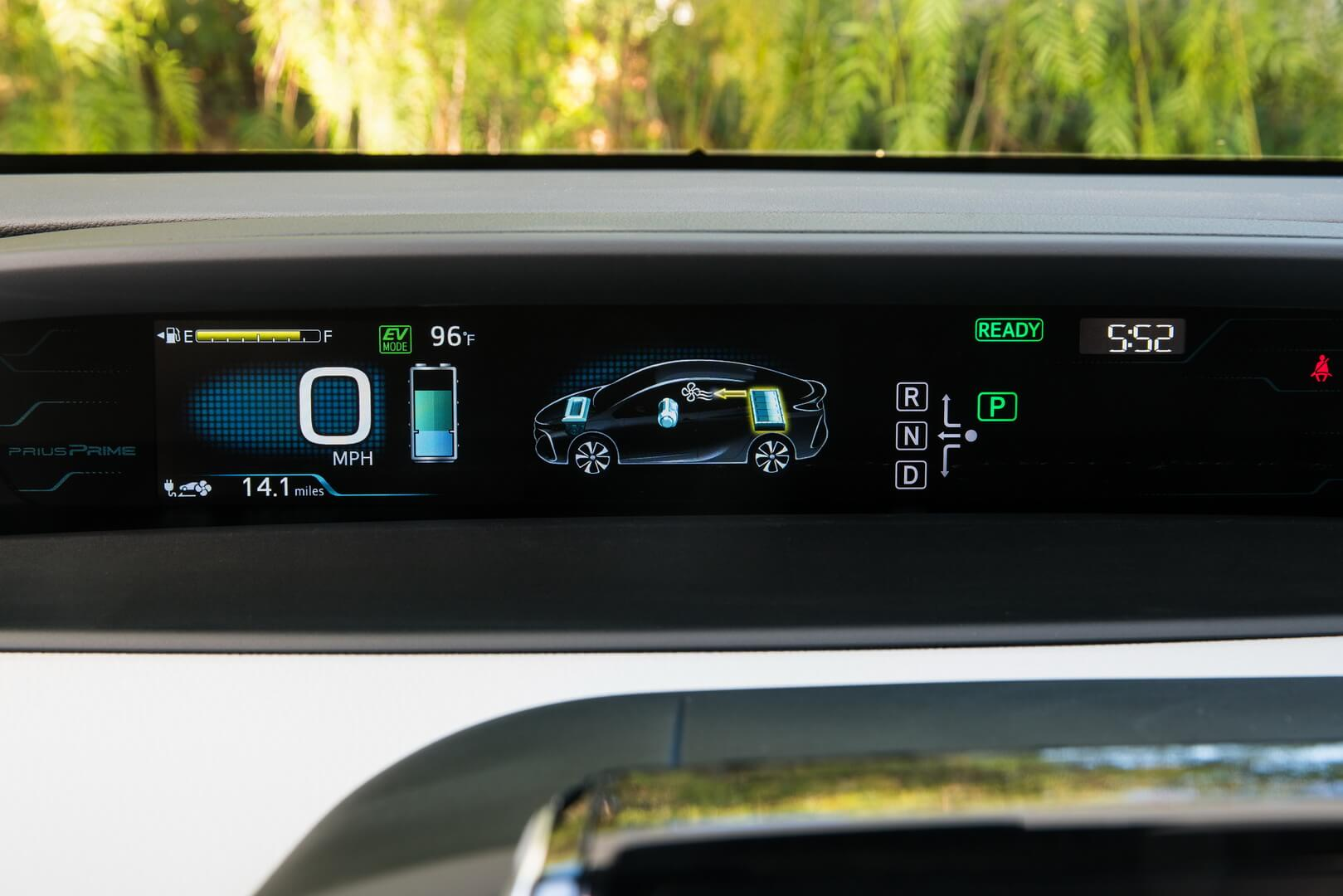 Фотография экоавто Toyota Prius Prime 2017 - фото 33