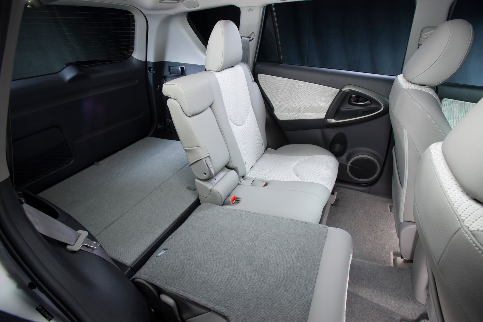 Фотография экоавто Toyota RAV4 EV - фото 25