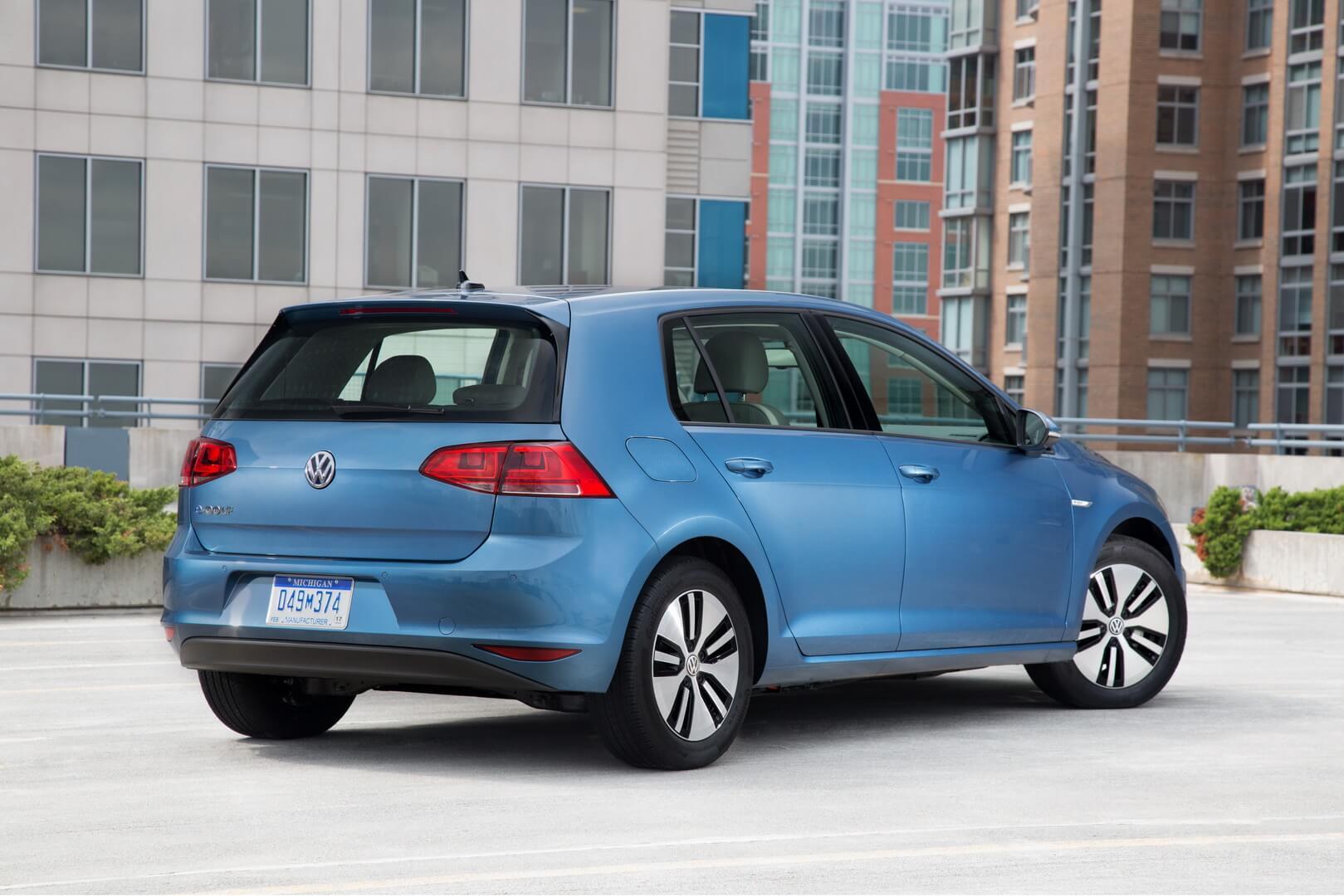 Фотография экоавто Volkswagen e-Golf 2015 - фото 2