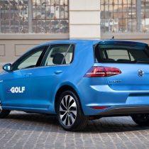 Фотография экоавто Volkswagen e-Golf 2015 - фото 3