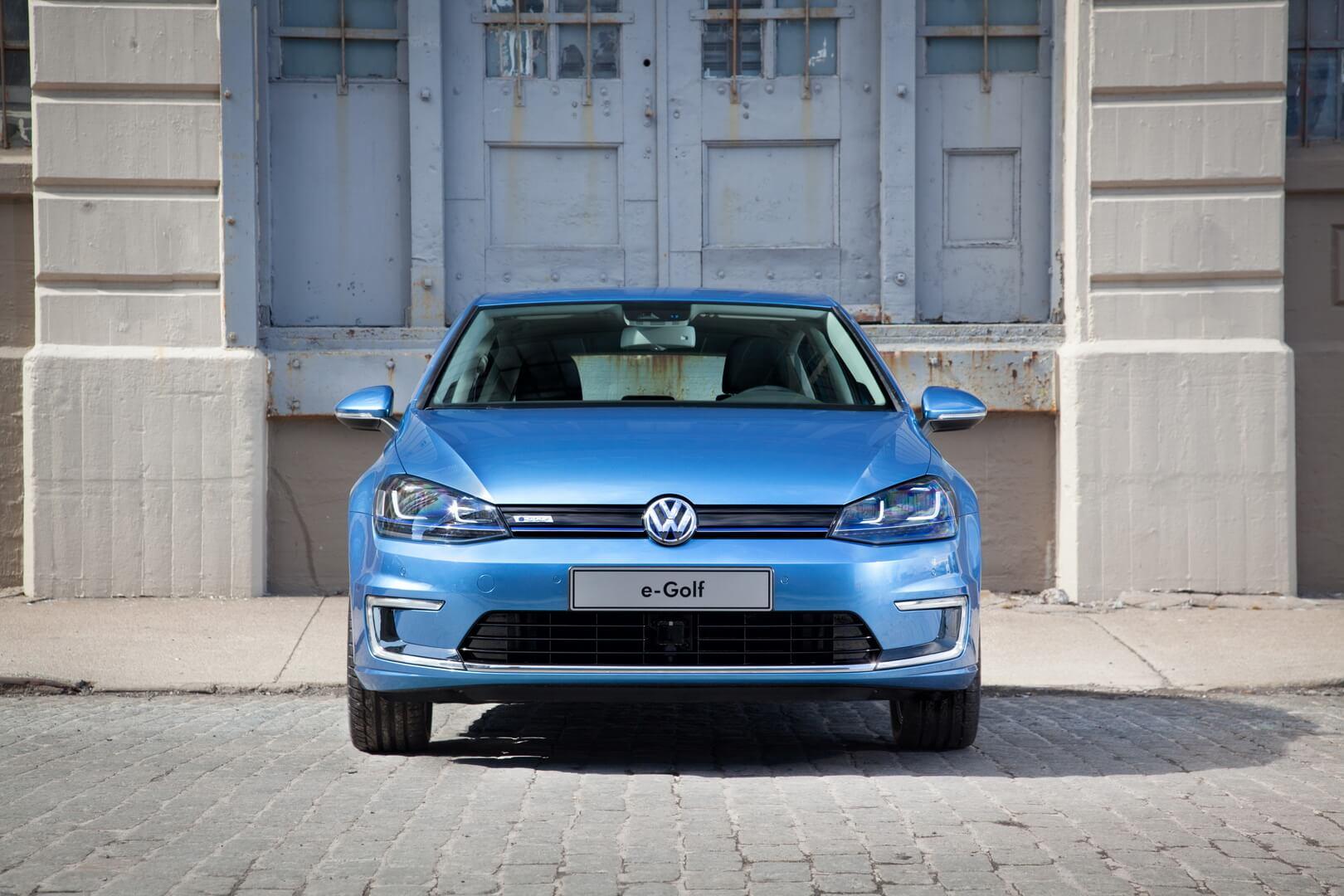 Фотография экоавто Volkswagen e-Golf 2015 - фото 4