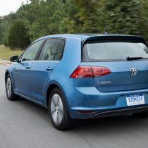 Фотография экоавто Volkswagen e-Golf 2015 - фото 10
