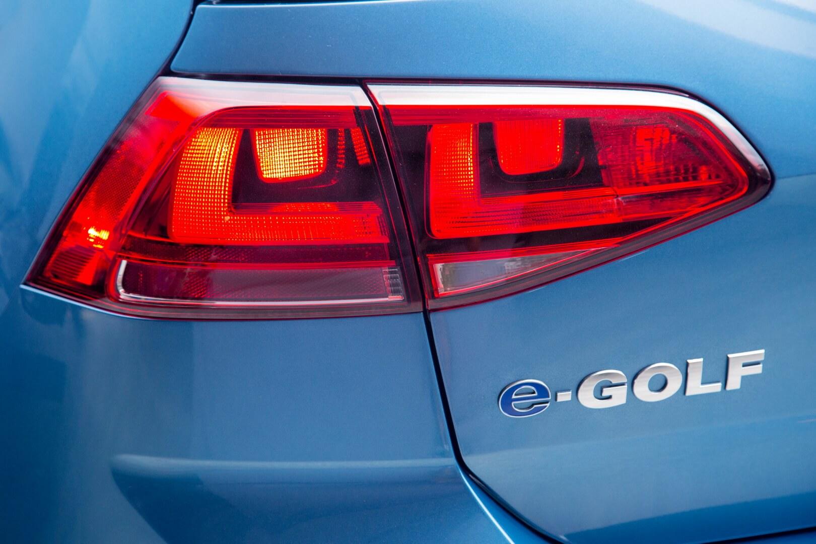 Фотография экоавто Volkswagen e-Golf 2015 - фото 12