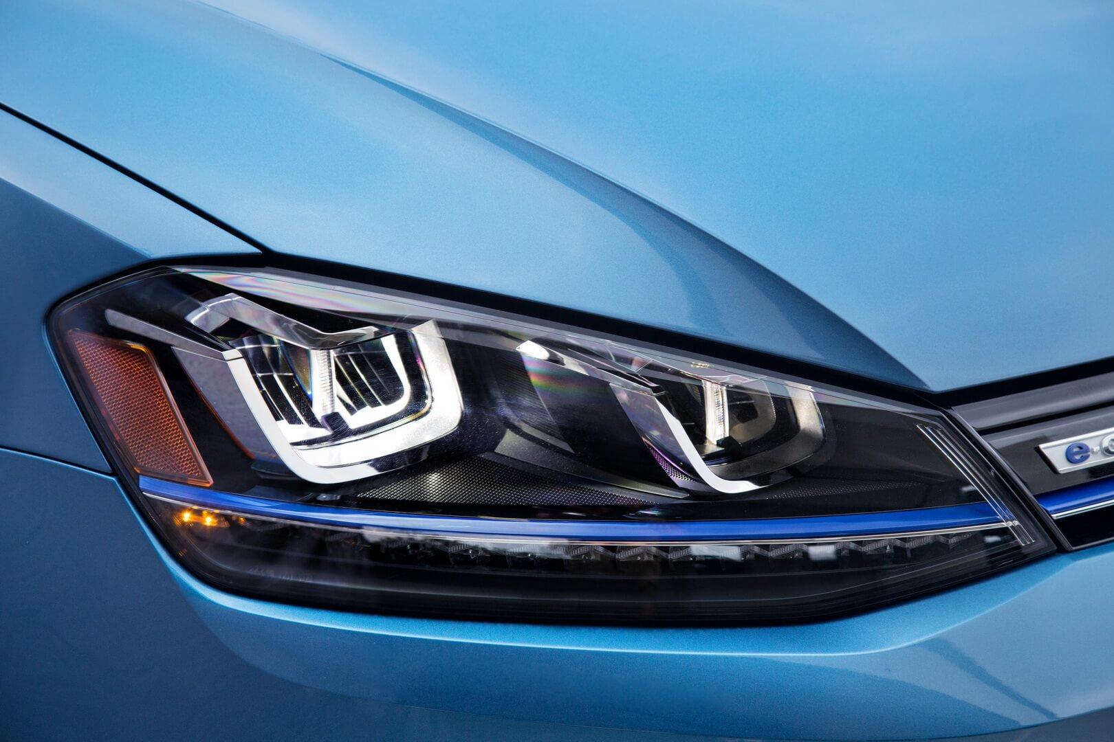 Фотография экоавто Volkswagen e-Golf 2015 - фото 13