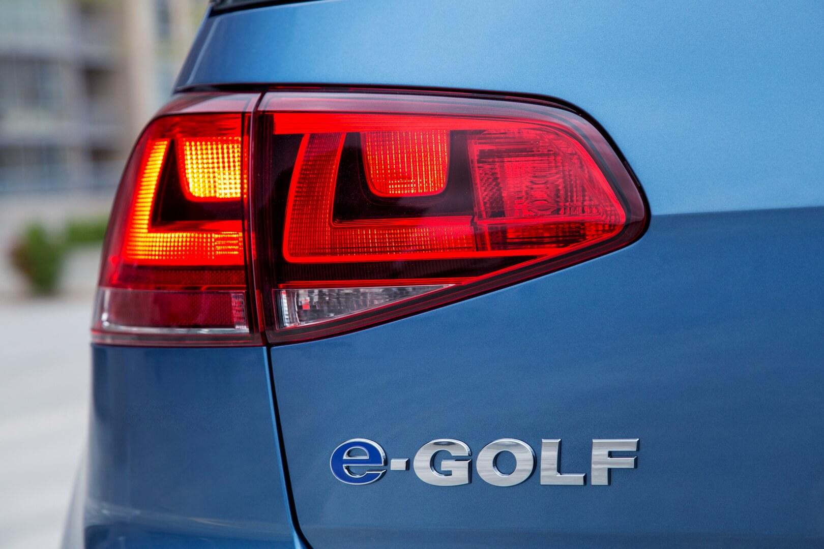 Фотография экоавто Volkswagen e-Golf 2015 - фото 14
