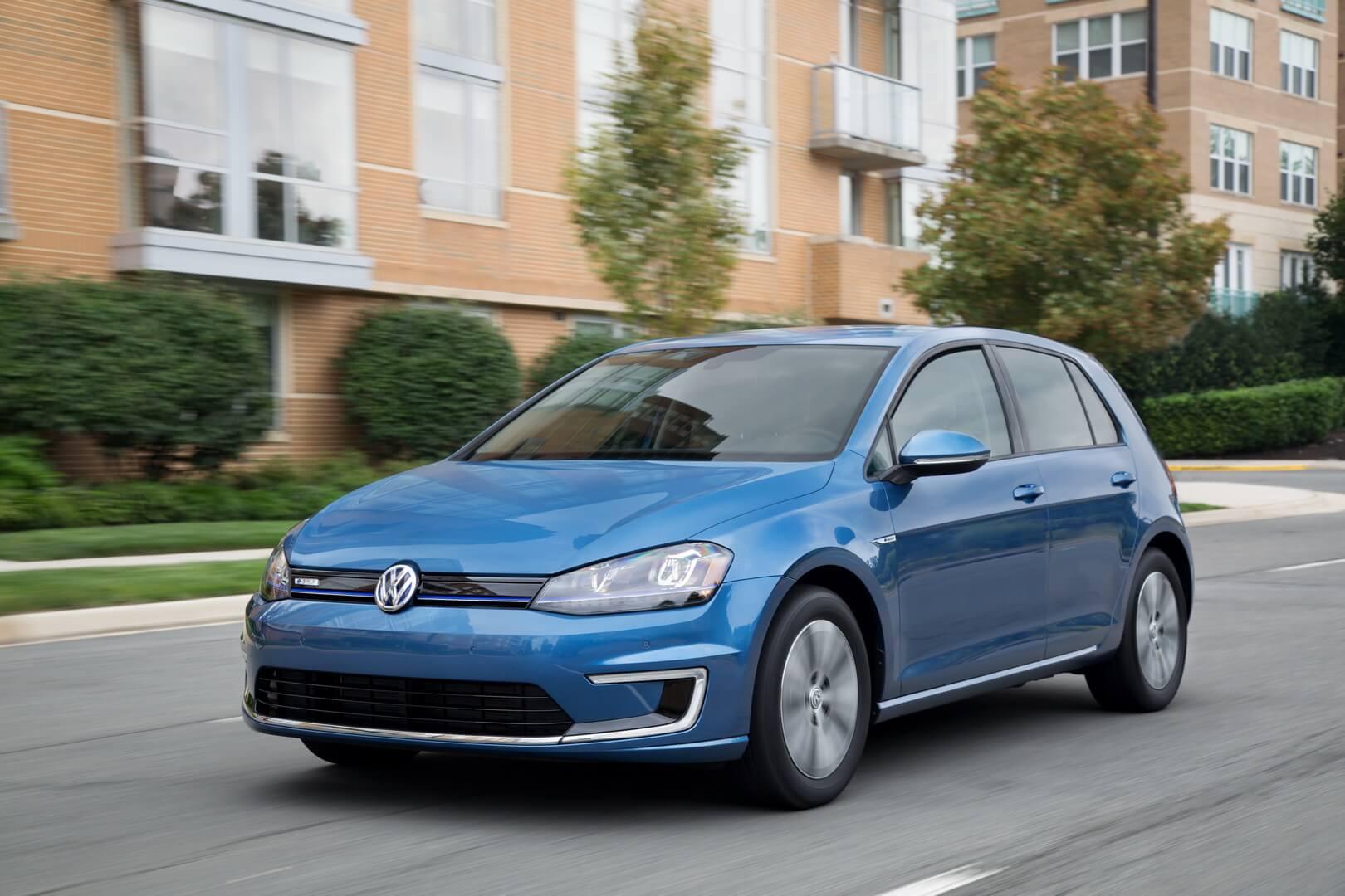 Фотография экоавто Volkswagen e-Golf 2015 - фото 15