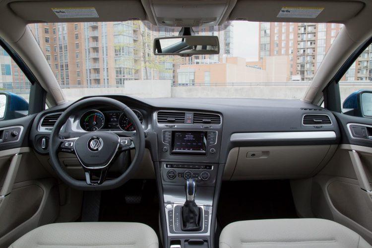 Салон Volkswagen e-Golf