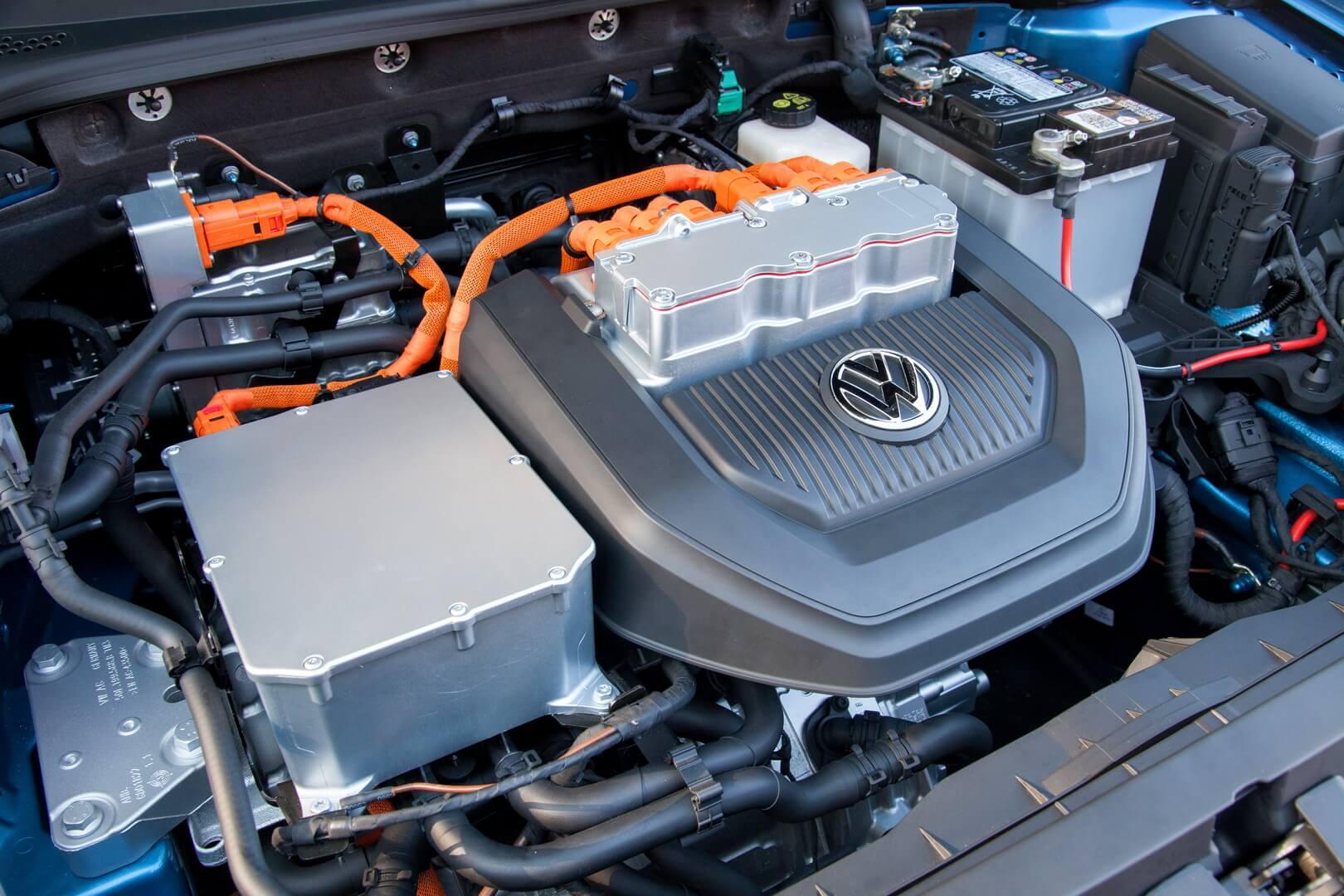 Фотография экоавто Volkswagen e-Golf 2015 - фото 19
