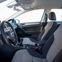 Фотография экоавто Volkswagen e-Golf 2015 - фото 20