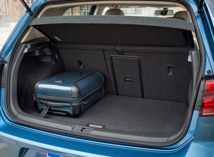 Багажник Volkswagen e-Golf