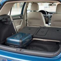 Фотография экоавто Volkswagen e-Golf 2015 - фото 25