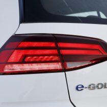 Фотография экоавто Volkswagen e-Golf 2017 - фото 4