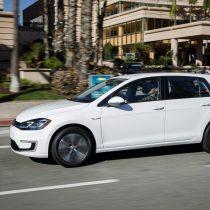 Фотография экоавто Volkswagen e-Golf 2017 - фото 19