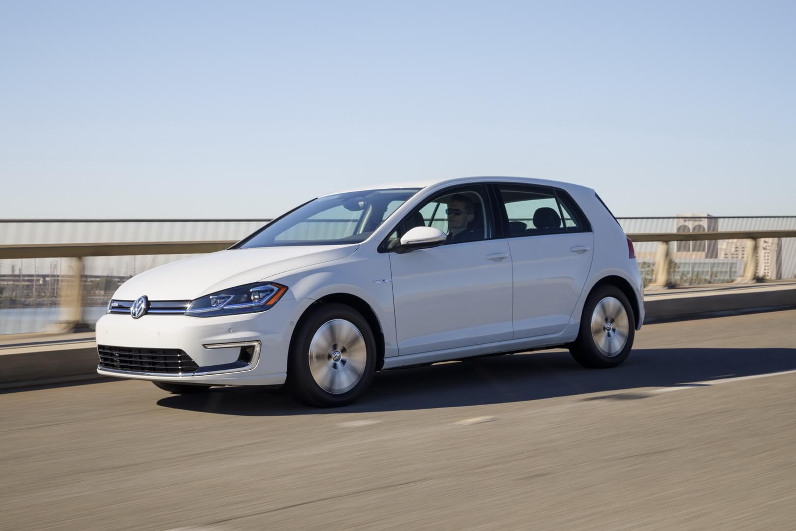 Электрический хэтчбек Volkswagen e-Golf
