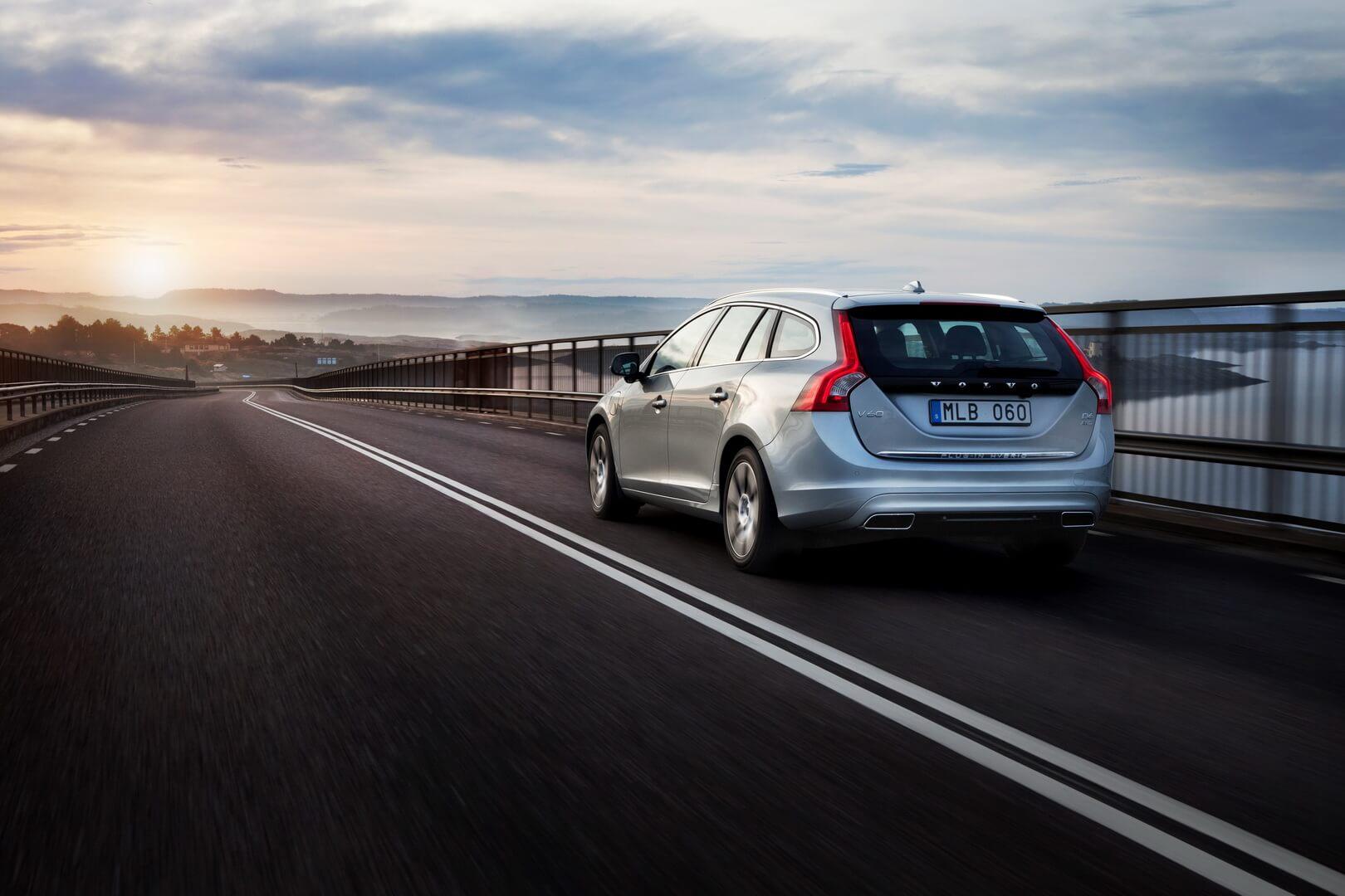 Фотография экоавто Volvo V60 PHEV - фото 16