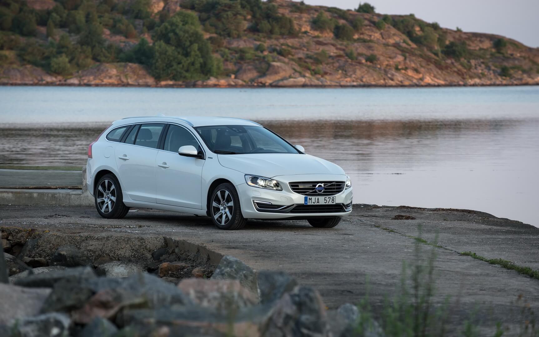 Фотография экоавто Volvo V60 PHEV - фото 31