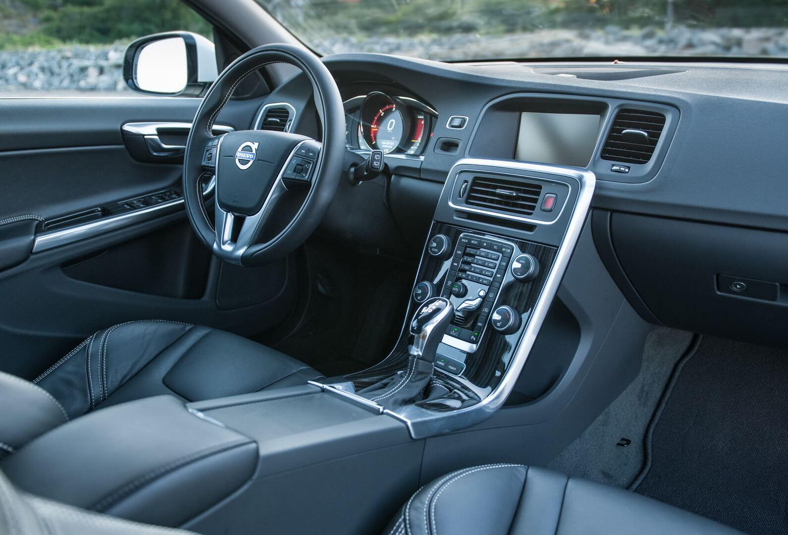 Фотография экоавто Volvo V60 PHEV - фото 51