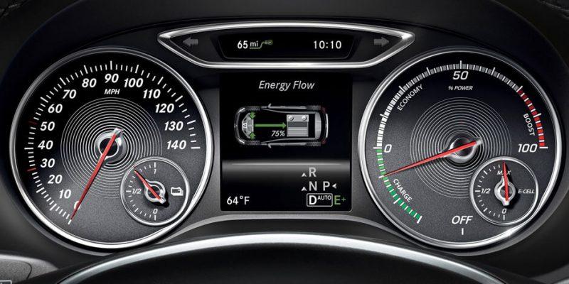 Приборная панель Mercedes-Benz B-Class Electric Drive