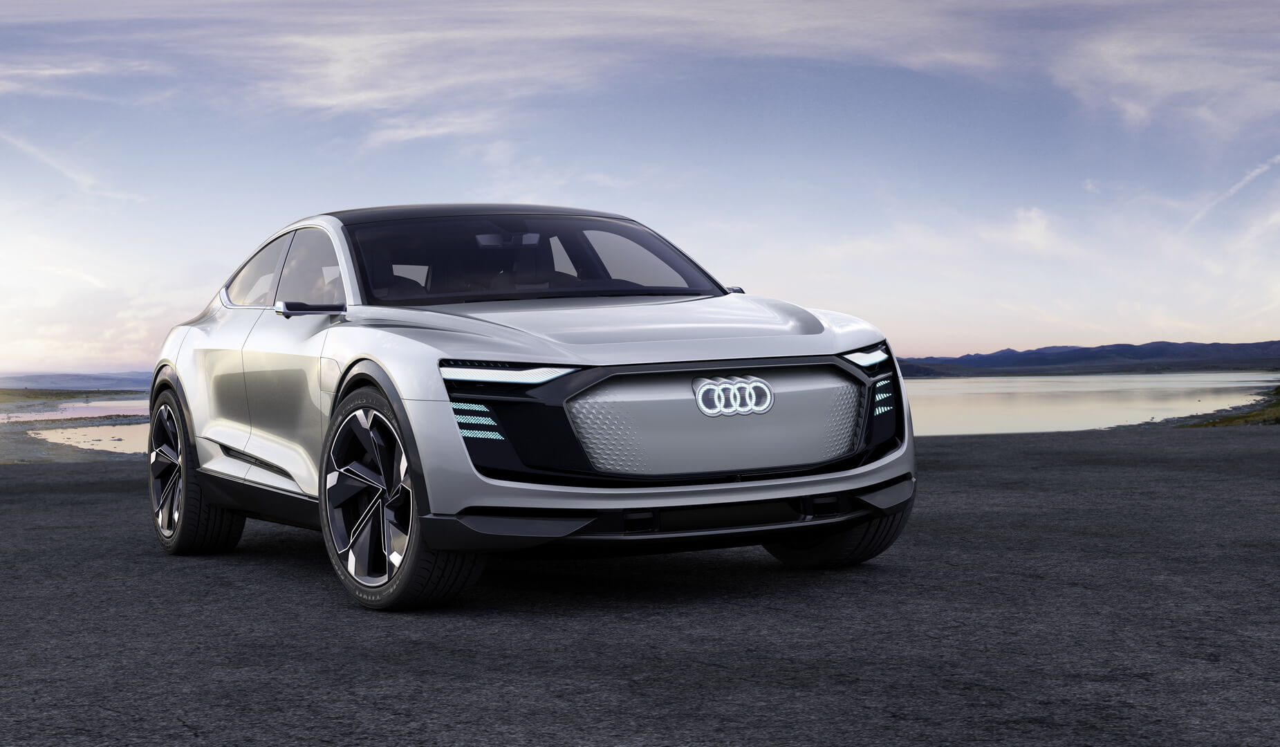 Электрический кроссовер Audi e-tron Sportback