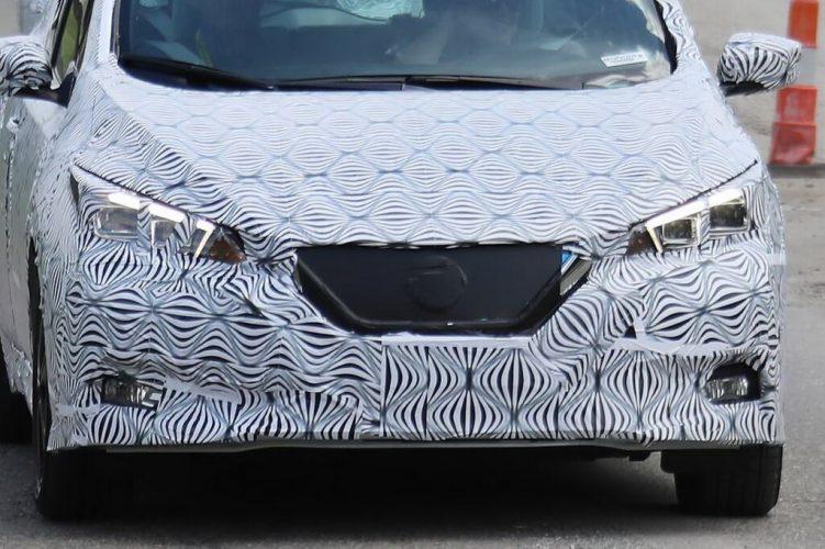 Новая радиаторная решетка иуже светодиодные фары Nissan Leaf 2018