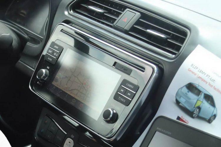 Сенсорный экран Nissan Leaf 2018