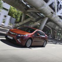 Фотография экоавто Opel Ampera Range Extender - фото 9