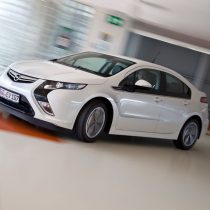 Фотография экоавто Opel Ampera Range Extender - фото 18