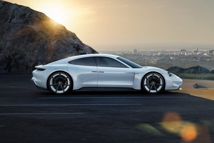 Porsche Concept Mission E — фото 3