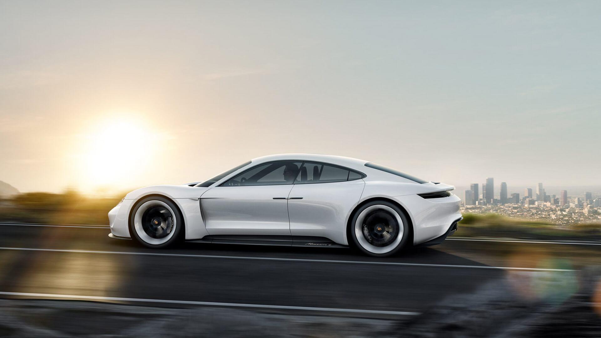 Электрокар Porsche Mission E— фото 3