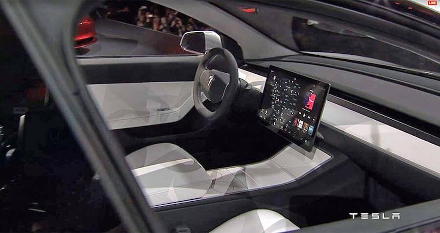 Tesla Мodel 3 Интерьер