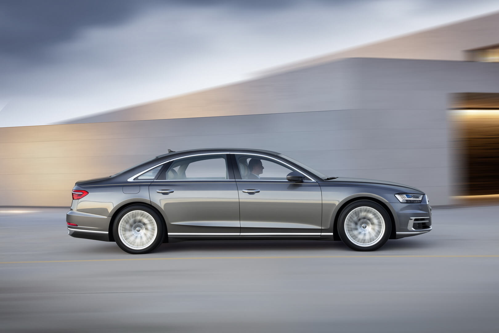 Фотография Audi A8 L