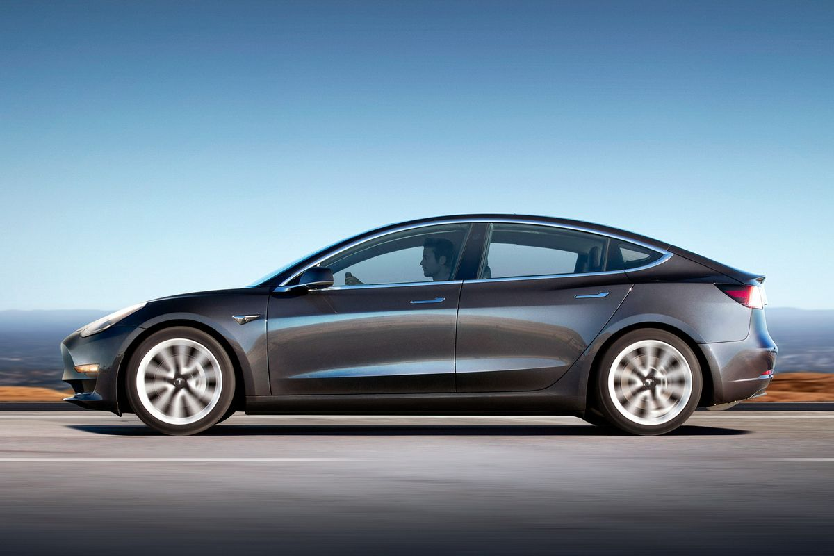 Tesla Model 3 с батареей увеличенной ёмкости