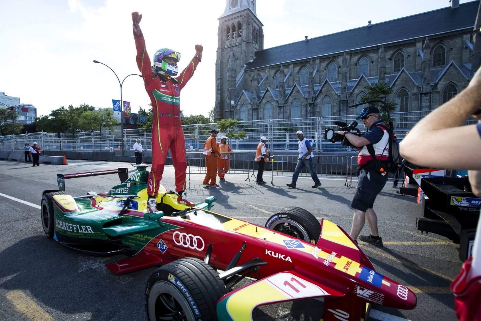Победитель Лукас ди Грасси от команды Audi в Formula E 2016/2017