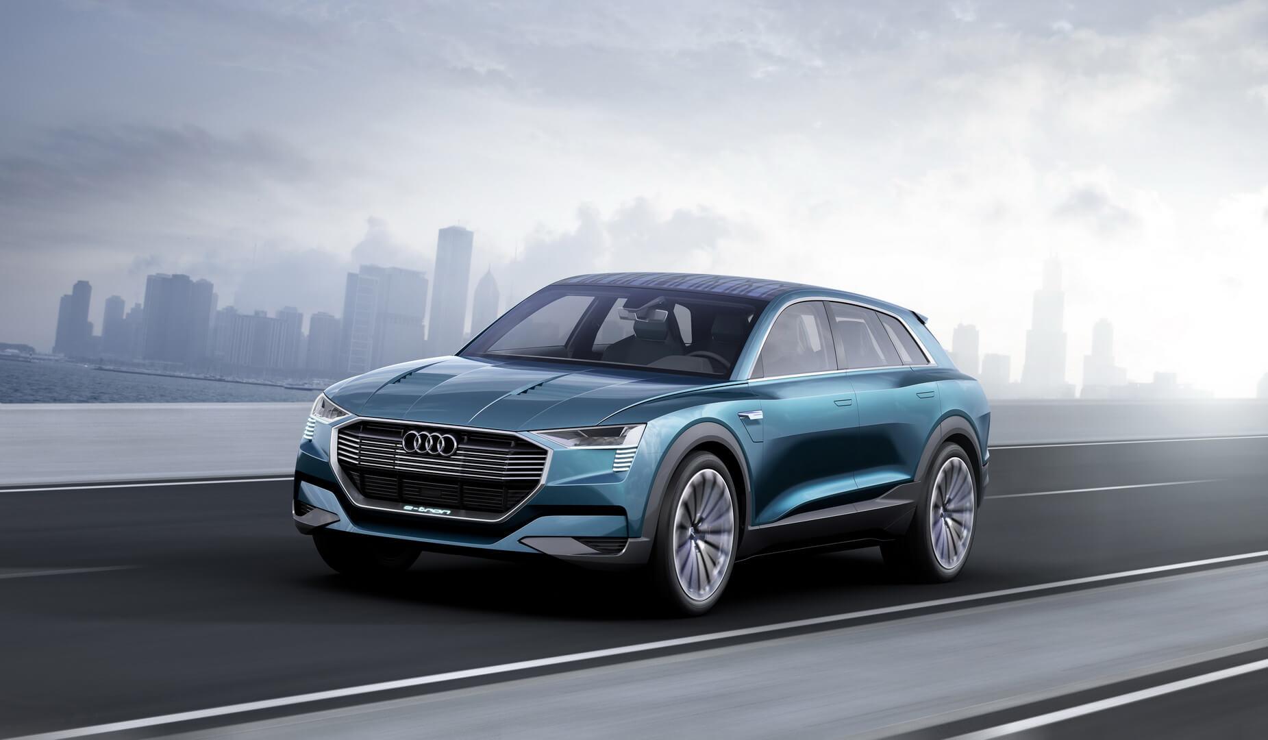 Автомобиль Audi e-tron quattro