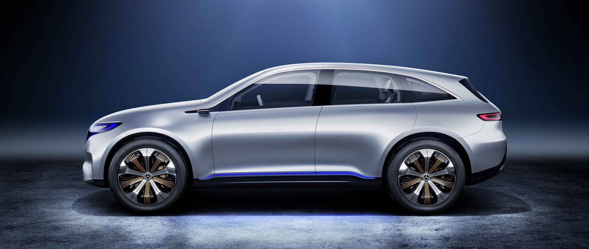 Электрический кроссовер Mercedes-Benz EQC