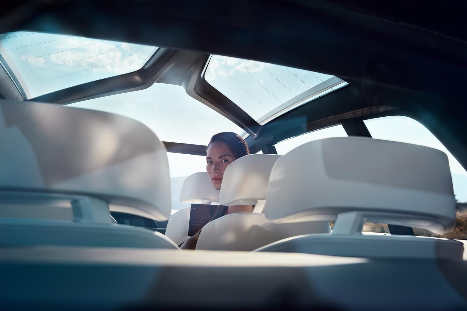 Салон BMW Concept X7iPerformance