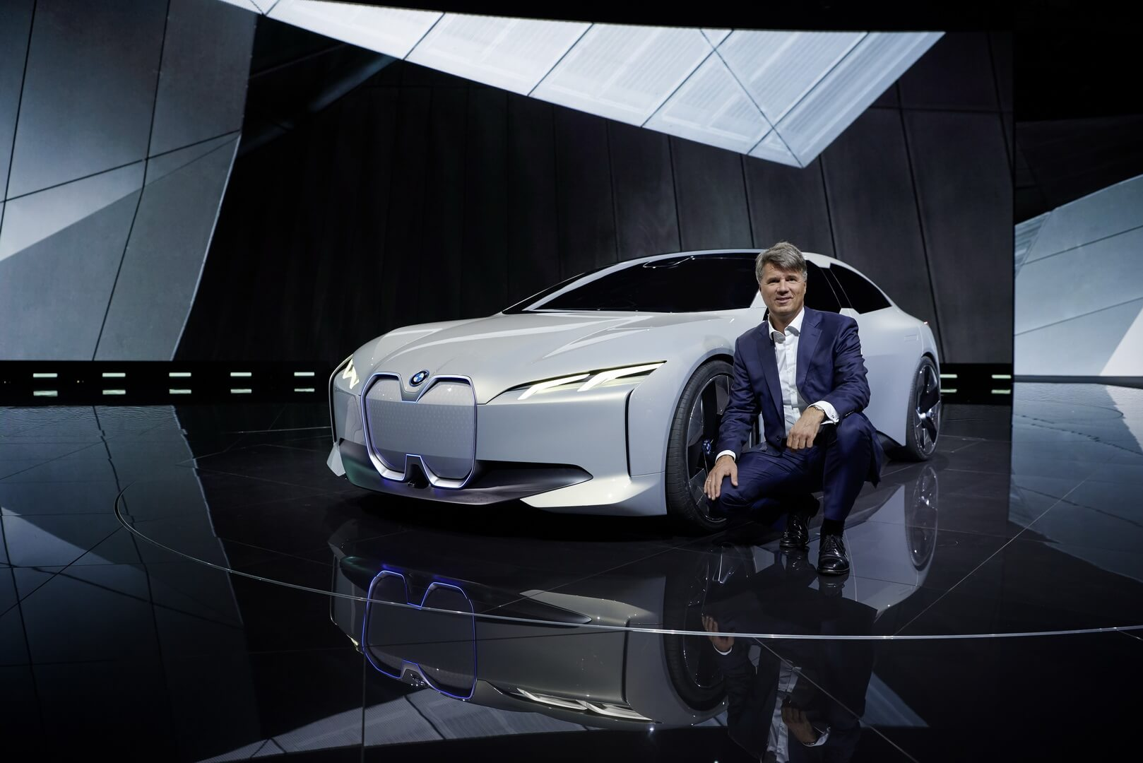 BMW i Vision Dynamics или BMW i4