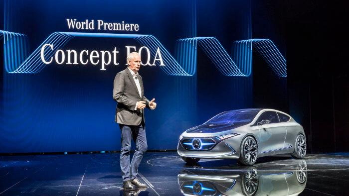 Представление Mercedes-Benz EQA на выставке автосалона во Франкфурте 2017