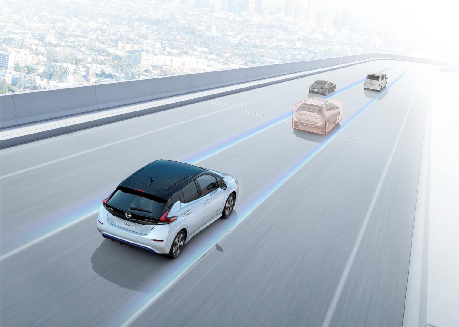 Технологии интеллектуального автопилота Nissan Leaf ProPilot