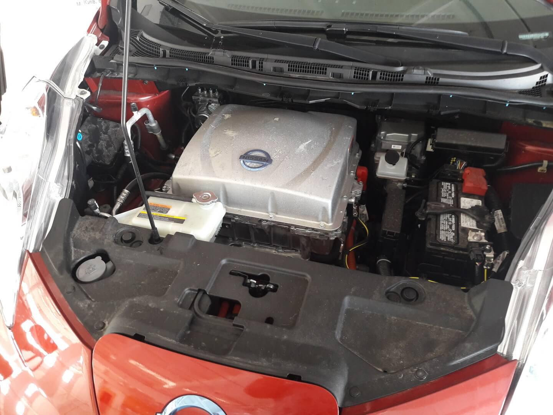 Под капотом Nissan leaf