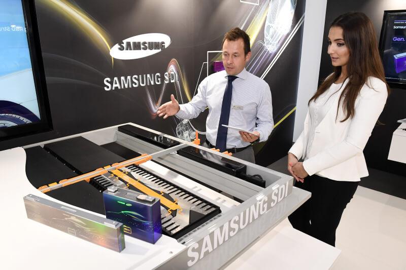 Инновационные многофункциональные аккумуляторные батареи Samsung для электромобилей