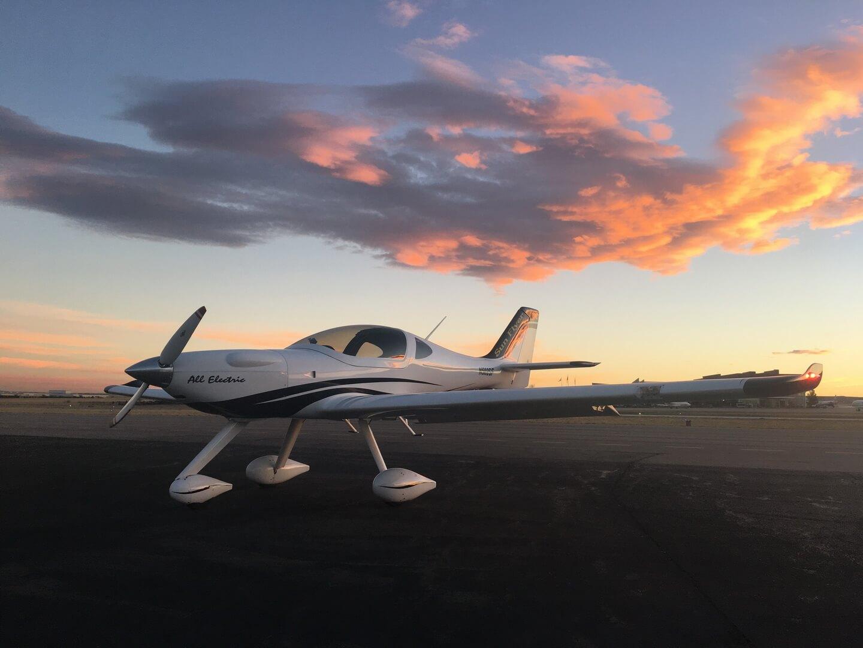 Электрический двухместный самолёт Sun Flyer