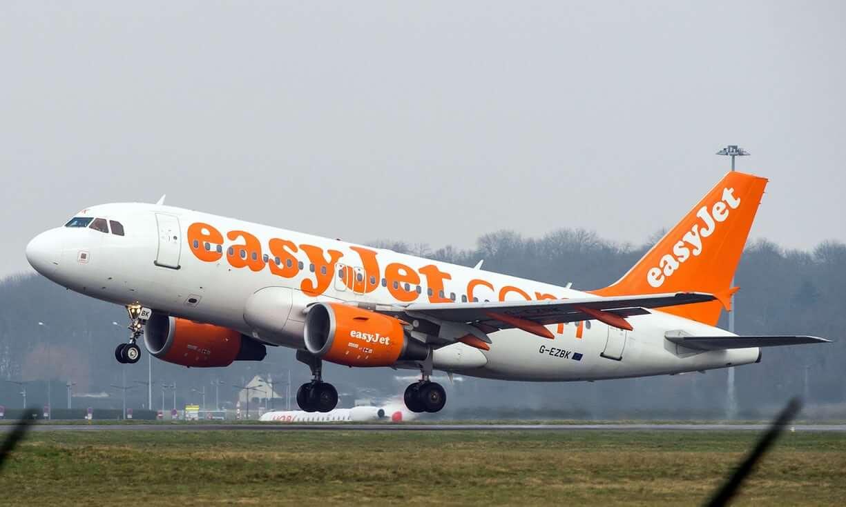 Самолет британского авиаперевозчика EasyJet